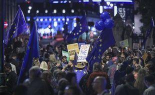 Des manifestants ont dénoncé à Londres la décision de Boris Johnson de suspendre le Parlement pour cinq semaines.