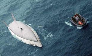 Thierry Dubois lors de son chavirage dans les mers du Sud pendant le Vendée Globe meurtrier 1996-1997.