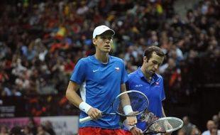 La République tchèque se trouve à un point du succès en Coupe Davis, dont c'est la 100e édition, après la victoire en double de Tomas Berdych et Radek Stepanek sur les Espagnols Marcel Granollers et Marc Lopez, samedi à Prague.