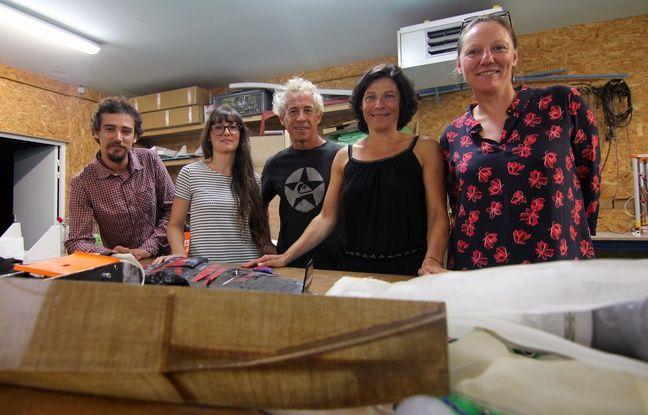 Le navigateur Roland Jourdain et sa femme Sophie Vercelletto (au centre) et l'équipe du fonds de dotation Explore, basé à Concarneau.