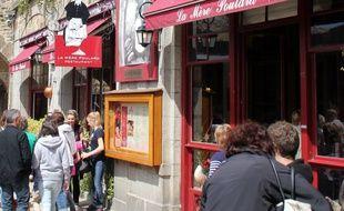 Le restaurant de la Mère Poulard au Mont Saint-Michel, célèbre pour ses omelettes.
