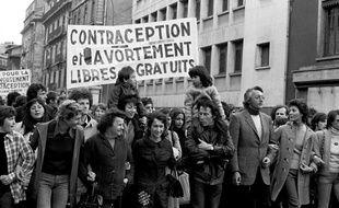 Une manifestation pour le droit à l'avortement et à la contraception à Grenoble, en 1973.