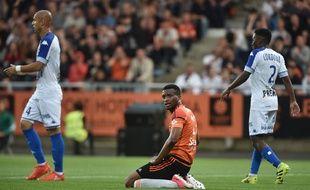 Benjamin Moukandjo (au centre) lors du match Lorient - Troyes, le 28 mai 2017.