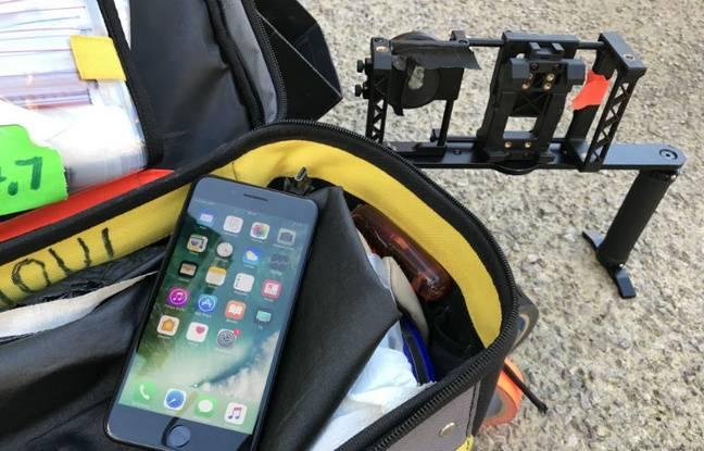 Quelques accessoires ont été utilisés pour le tournage en plus du smartphone d'Apple.