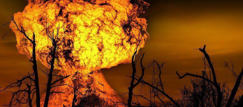 Une immense boule de feu s'est formée lors de l'explosion du camion.