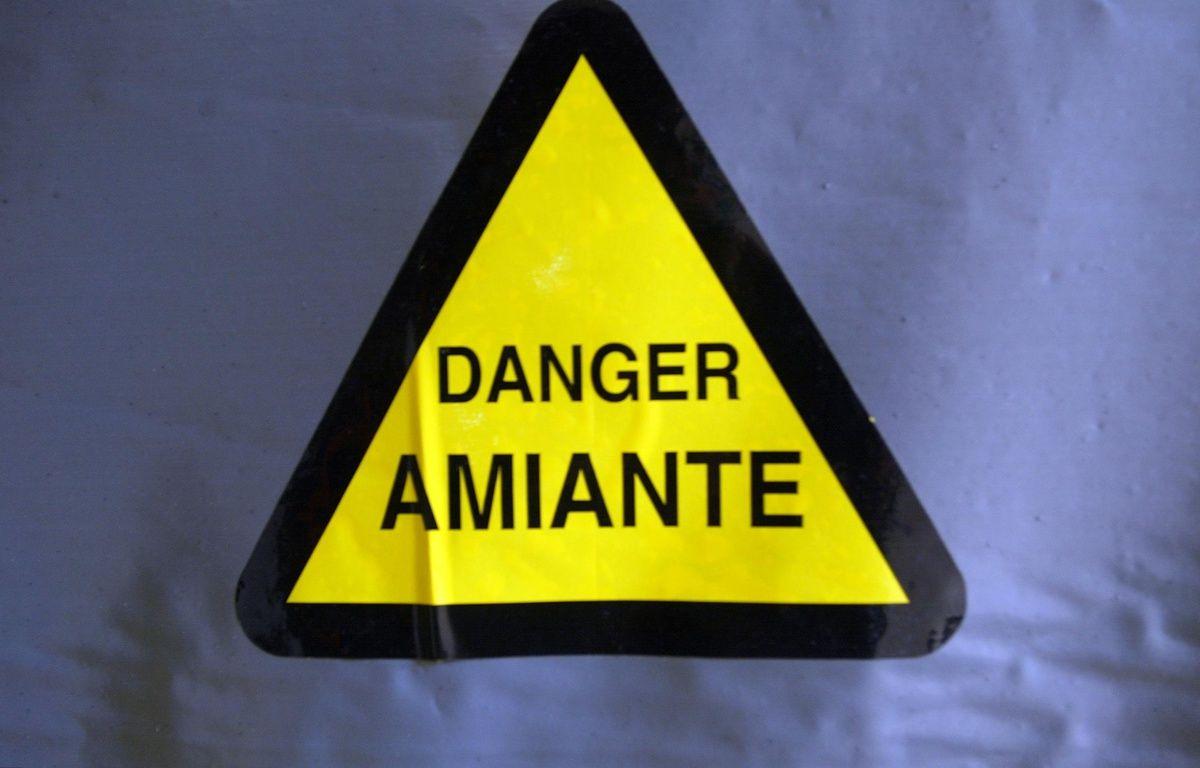 Le gendarme a été exposé à l'amiante lors d'une perquisition au siège d'Eternit. – JEAN-PIERRE MULLER / AFP