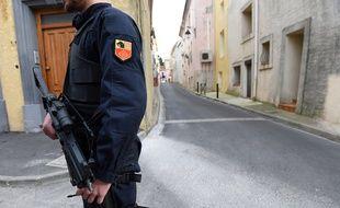 Un policier après l'attentat déjoué à Montpellier, le 10 février 2017