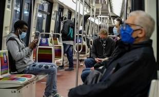 Le masque continuera à être obligatoire dans les transports en commun franciliens.