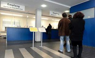 Le marché du travail allemand a bien commencé l'année avec un taux de chômage en données corrigées stable et une baisse plus prononcée qu'escompté du nombre de chômeurs au mois de janvier.