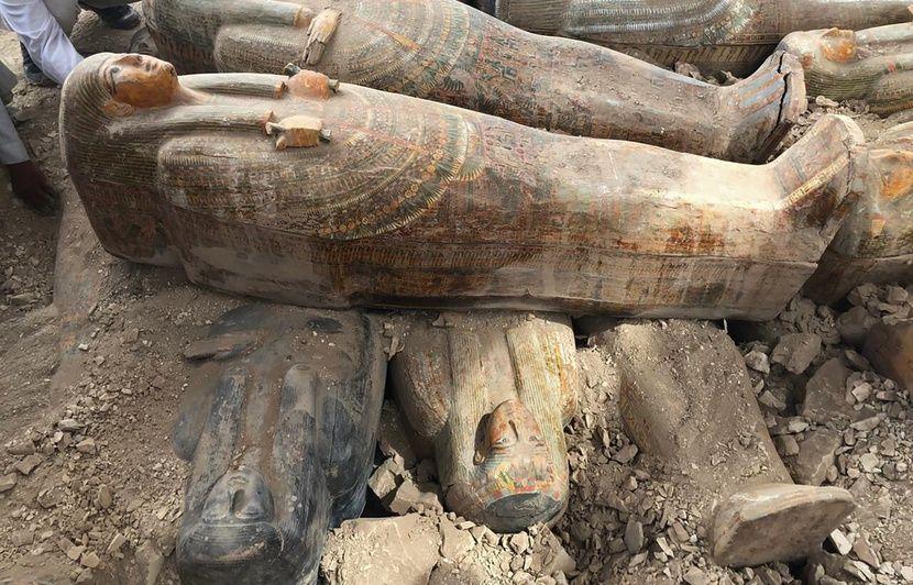 Trente sarcophages vieux de plus de 3.000 ans en excellent état ont été découverts près de Louxor en Egypte