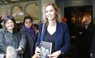 Delphine de Vigan, lauréate du prix Renaudot 2015, le 3 novembre 2015 au restaurant Drouant