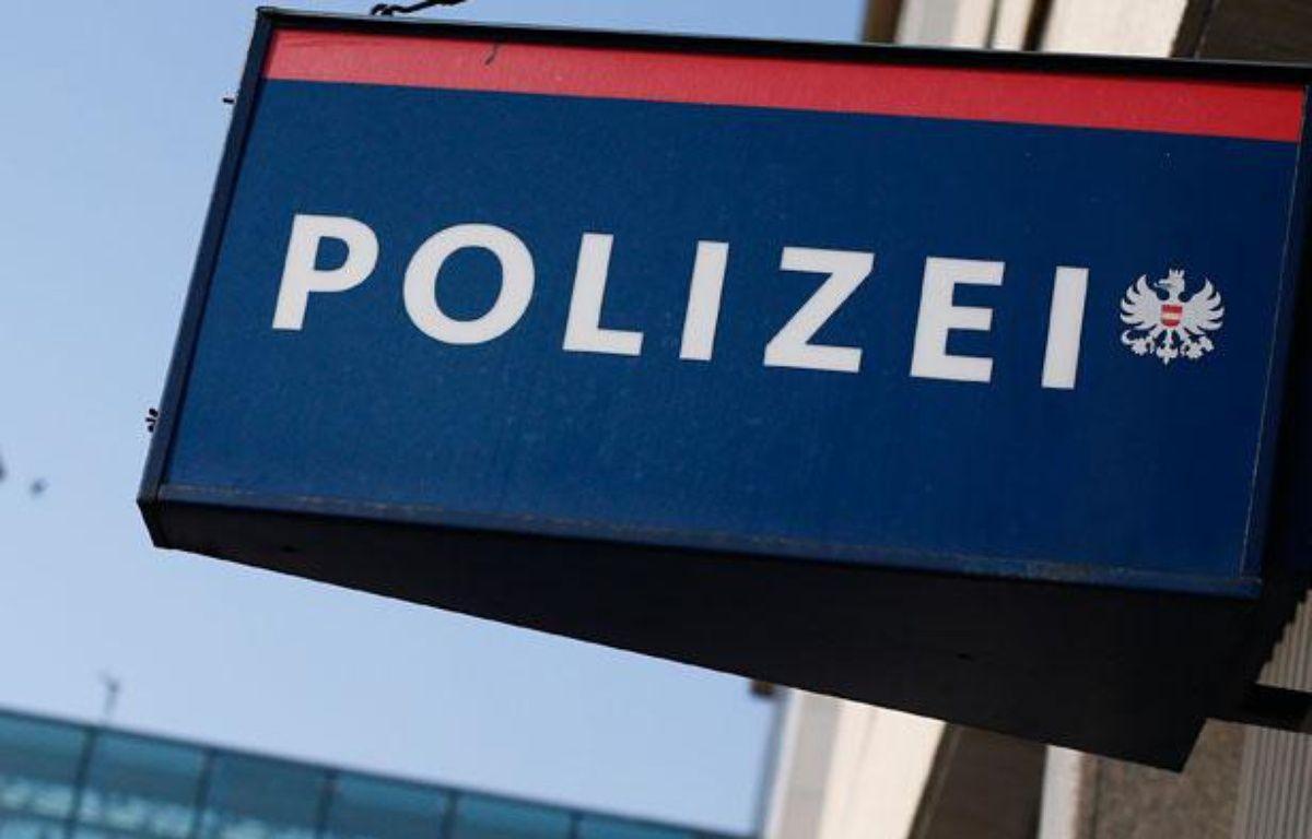 Enseigne d'un poste de police enAutriche, àVienne, le 6 septembre 2012. – ALEXANDER KLEIN / AFP
