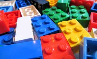 Une habitante de Castres lance un appel aux dons de briques Lego afin de construire des rampes d'accès pour les personnes en fauteuil roulant.