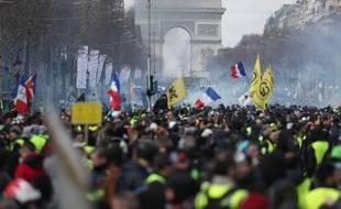"""La célèbre avenue est un symbole de la mobilisation des """"gilets jaunes""""."""