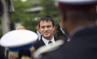 """La France travaille avec les polices européennes et """"au niveau mondial"""" pour arrêter Redoine Faïd qui s'est échappé de la maison d'arrêt de Sequedin (Nord) le 13 avril dernier, a indiqué lundi le ministre de l'Intérieur Manuel Valls."""