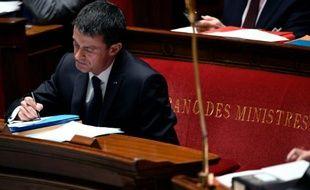 Le Premier ministre Manuel Valls à l'Assemblée Nationale, le 2 décembre 2015