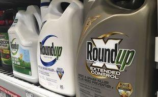 Le Roundup, de Monsanto, l'un des objets d'influence de ce lobby.