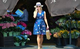 L'actrice Reese Witherspoon dans une robe Draper James à Beverly Hills