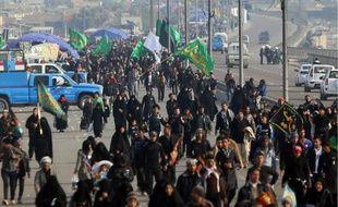 Trois kamikazes ont fait au moins 36 morts jeudi en actionnant leur ceinture d'explosifs au milieu de pèlerins chiites, à quelques jours d'une importante fête religieuse pour cette communauté, majoritaire en Irak.