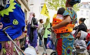 Rassemblement des mal logés hier devant le tribunal administratif de Paris.