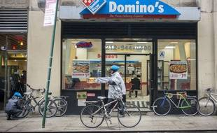 Un restaurant Domino's Pizza à New York.