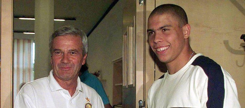 Luigi Simoni et Ronaldo en 1997 lors de l'arrivée de l'attaquant brésilien à l'Inter.