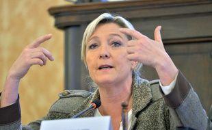 Marine Le Pen à Prague le 6 mai 2015.