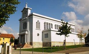 L'église en fer Sainte-Barbe, située à Crusnes (Meurthe-et-Moselle), le 25 septembre 2008.