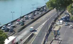 Lyon, le 26 août 2015 Vue de l'autoroute A7 qui démarre au Sud de la ville de Lyon