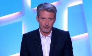 Antoine de Caunes a rendu hommage à Alain de Greef