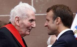 Emmanuel Macron commémore l'appel du 18 juin au côté d'Hubert Germain