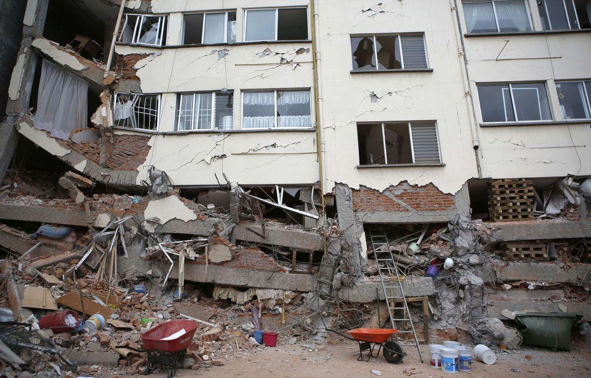 Le système d'alerte sismique n'a pas fonctionné le 19 septembre 2017 lors du tremblement de terre de magnitude 7,1 qui a frappé Mexico. Beaucoup d'habitants n'ont pas eu le temps d'évacuer les bâtiments qui se sont écroulés.  – Rebecca Blackwell/AP/SIPA