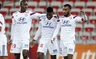 Mohamed Yattara (à gauche) avait fini le match aller à Nice (1-3) aux côtés d'Alexandre Lacazette (à droite, aux côtés d'Arnold Mvuemba).