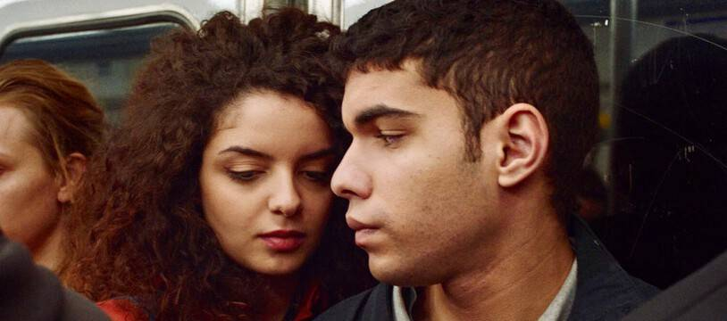 Zbeida Belhajamor et Sami Outalbali dans «Une histoire d'amour et de désir» de Leyla Bouzid