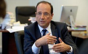 Paris le 12 avril 2012. QG de campagne de Francois Hollande candidat a l'election presidentielle 2012. Portrait Interview.