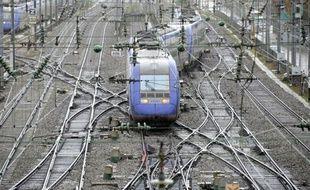 """Le trafic régional autour de Lyon revenait """"très progressivement"""" à la normale mercredi en début de soirée après un droit de retrait d'agents SNCF déclenché par l'agression d'un contrôleur en début d'après-midi, a annoncé la SNCF."""