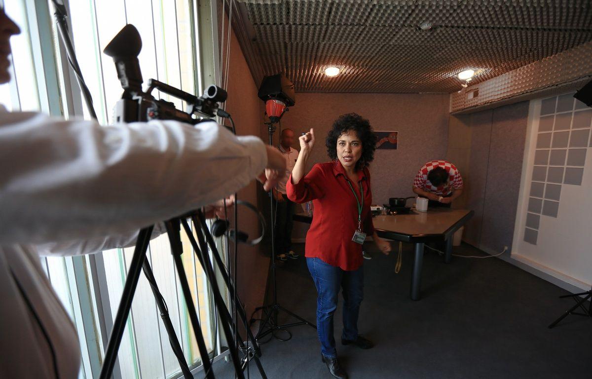 Regina De Almeida, coordinatrice et réalisatrice pendant le tournage d'une émission de cuisine à la prison de l'Elsau – G. Varela / 20 Minutes