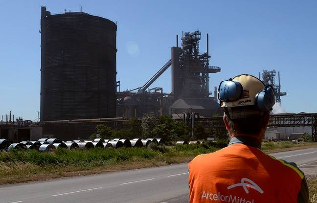 648x415 salarie devant usine arcelor mittal fos mer