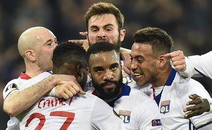 La fameuse célébration d'Alexandre Lacazette après son but décisif en 8e de finale aller contre l'AS-Roma (4-2).