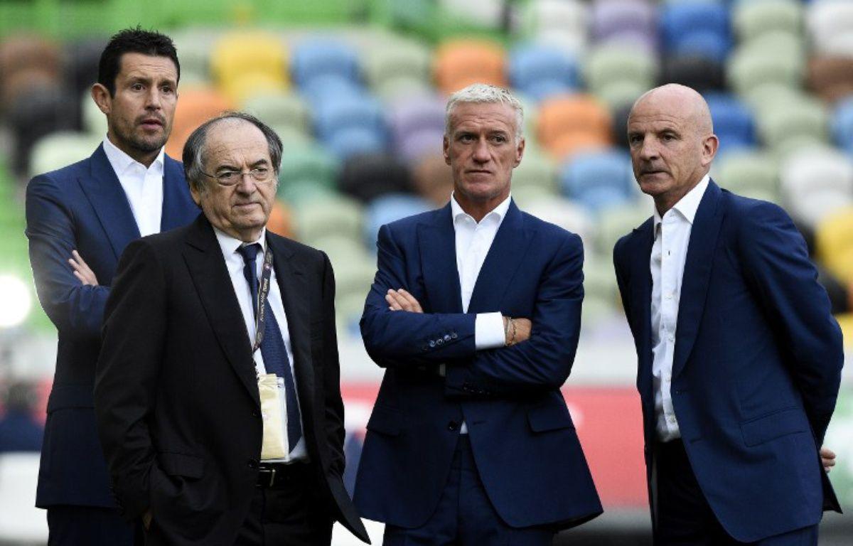 Le président de la FFF Noël Le Graet entouré de Franck Raviot, Didier Deschamps et Guy Stéphan, avant le match Portugal-France le 4 septembre 2015.  – FRANCK FIFE / AFP