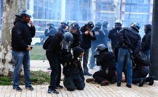 Interpellations lors de la manifestation du samedi 21 février à Toulouse