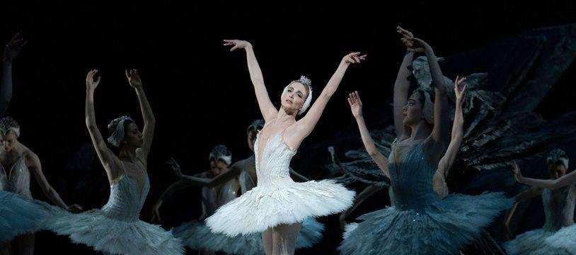 Le « Lac des cygnes »  par le Royal Ballet au Royal Opera House à Londres en 2020.