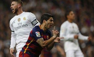 Luis Suarez fête son but lors de la victoire du Real Madrid contre le Barça le 21 novembre 2015.
