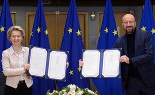 La présidente de la Commission européenne, Ursula von der Leyen, et le président du Conseil européen, Charles Michel.