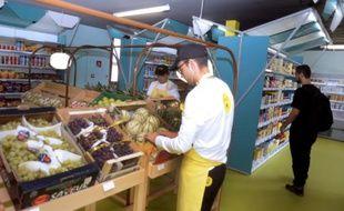 Une épicerie de proximité le 9 septembre 2013 à Toulouse