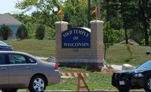 L'auteur de la fusillade survenue dimanche dans un temple sikh d'Oak Creek, dans le Wisconsin, est mort après s'être tiré une balle dans la tête, a annoncé mercredi la police fédérale américaine (FBI).
