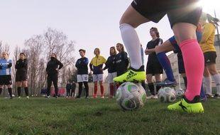 Les filles de l'OMCA, un club de Cambrai, à l'entraînement.