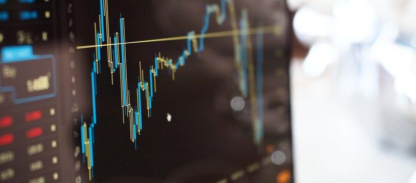 Voyant la volatilité des prix, pendant le confinement, de nombreux particuliers se sont décidés à investir en Bourse (illustration)