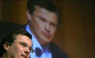 Nicolas Dupont-Aignan, président de Debout la République, a annoncé vendredi à la presse qu'il n'avait pas pu réunir les 500 parrainages requis pour participer à l'élection rpésidentielle.