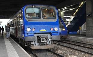 Illustration d'un TER en gare de Rennes (Ille-et-Vilaine).